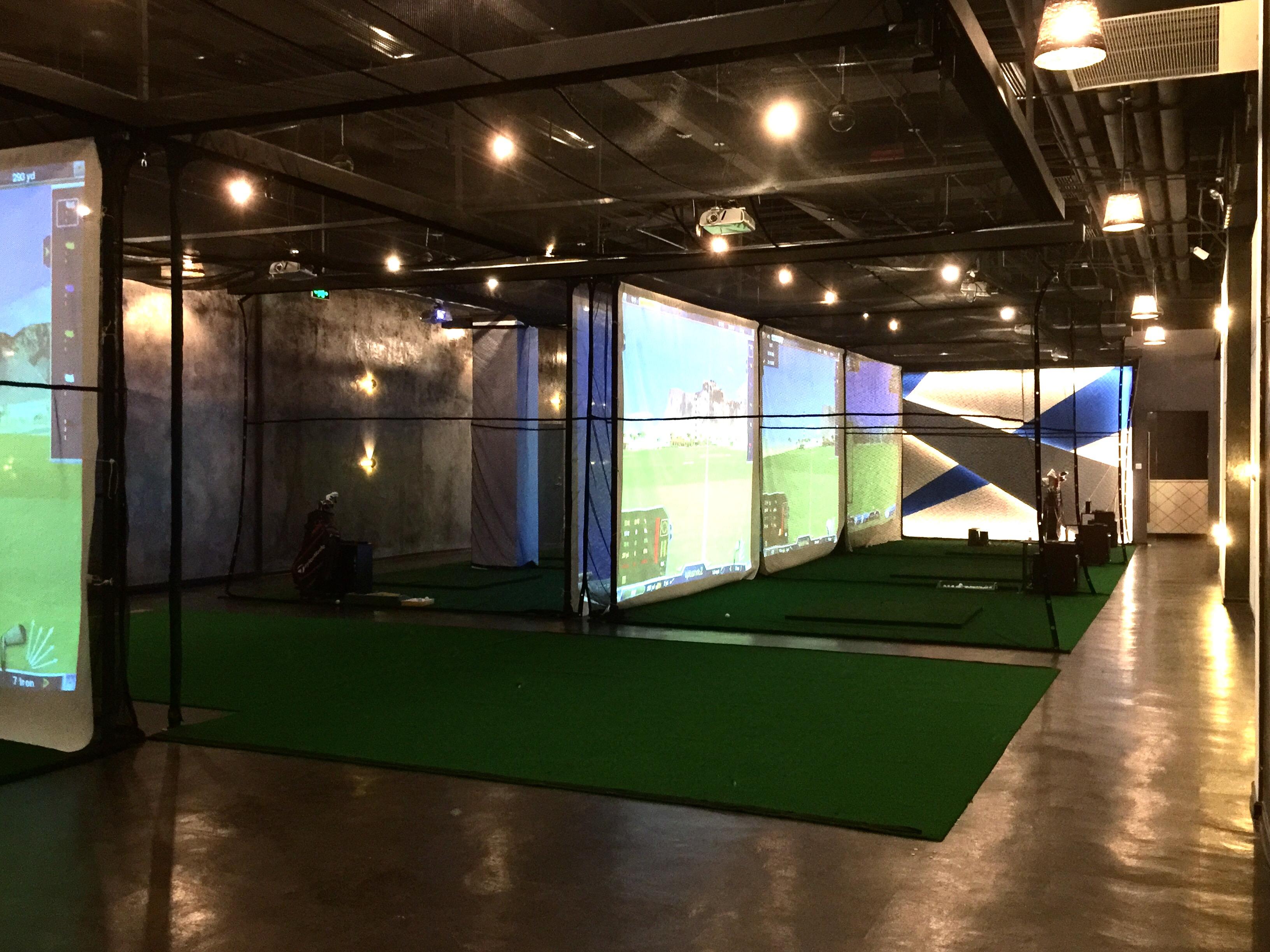 High tech indoor golf stadium xiamen china region for Indoor golf design
